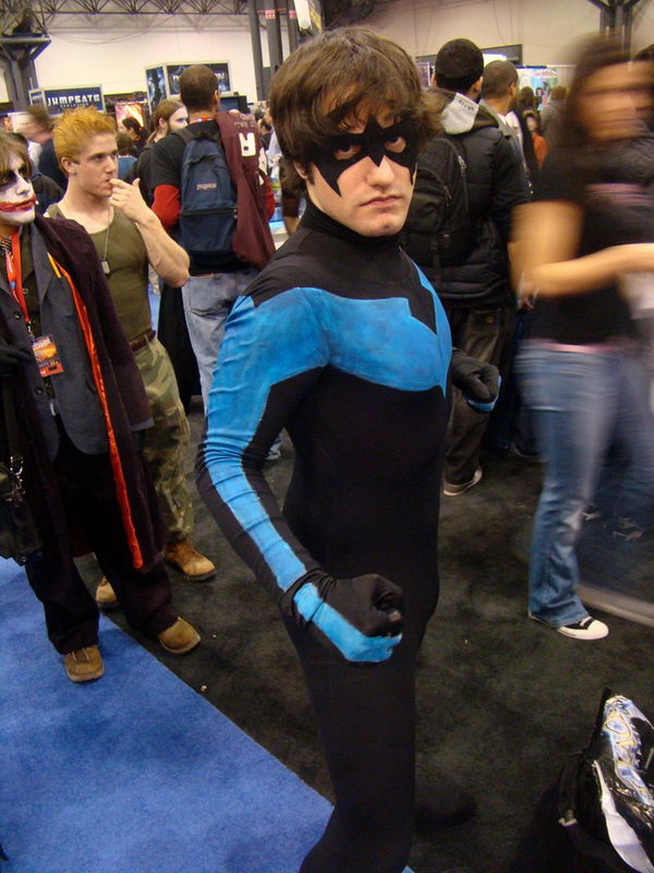 how to make a nightwing suit